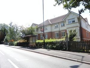 Apartment / Flat To Let in Purley