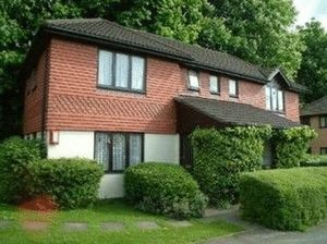 Apartment / Flat To Let in Coulsdon North, Coulsdon