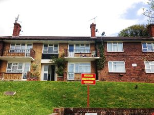 Apartment / Flat To Let in Croftleigh Avenue, Purley