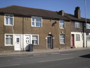 House To Let in Mitcham Road, CROYDON