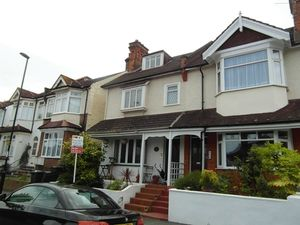 House To Let in Glossop Road, South Croydon