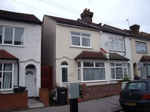 House To Let in East Croydon