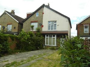 House To Let in Benedict Road, Mitcham