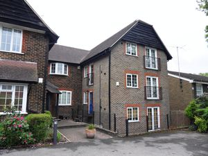 Apartment / Flat To Let in Coulsdon