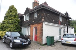 Apartment / Flat To Let in Hooley, Coulsdon