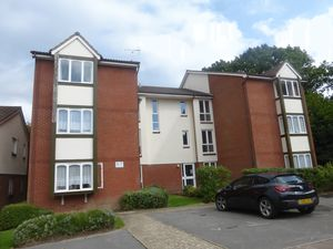 Apartment / Flat To Let in Three Bridges, Crawley