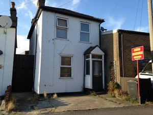 House To Let in Bishops Road, Croydon