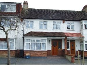 House To Let in Elmgrove Road, Addiscombe, CROYDON