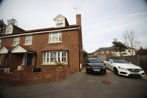 House To Let in College Road, Ardingly, Haywards Heath