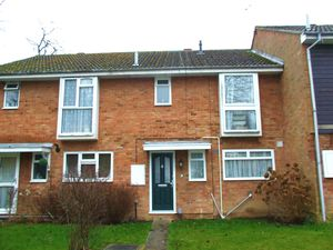House To Let in Blenheim Close, Crawley