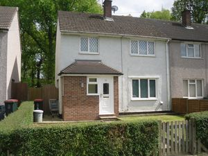 House To Let in Cloverlands, Crawley