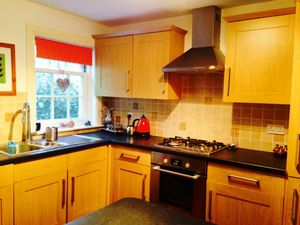 House To Let in The Willows, Colwell Road, Haywards Heath