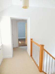 2nd Floor Landing - click for photo gallery