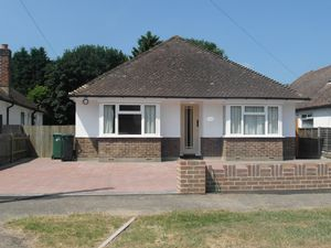 Bungalow To Let in Horley