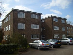 Apartment / Flat To Let in Longbridge Road, Horley