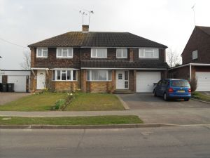 House To Let in Church Lane, Copthorne, Crawley