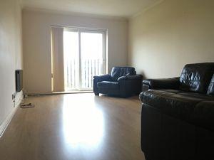 Apartment / Flat To Let in Newbury Road, Crawley