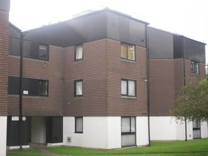 Apartment / Flat To Let in Camelot Court, Ifield, Crawley