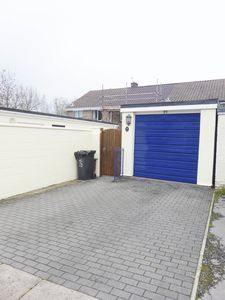 Garage & Driveway - click for photo gallery
