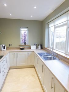 Kitchen/breakfast - click for photo gallery