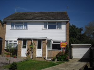 House To Let in Gossops Green, Crawley