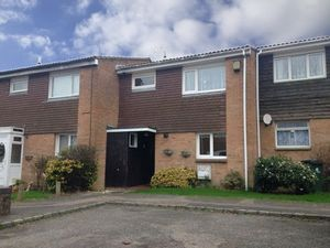 House To Let in Cowfold Close, Bewbush, CRAWLEY