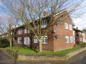 Apartment / Flat To Let in Langley Drive, Crawley