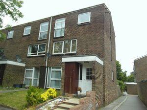 Apartment / Flat To Let in Pixton Way, Croydon