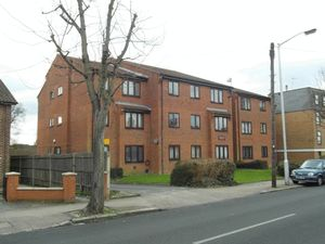Apartment / Flat To Let in Birchanger Road, London