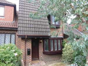 House To Let in Parsley Gardens, Croydon