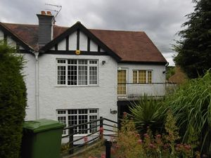 House To Let in Kingsdown Avenue, South Croydon