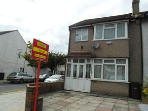 House To Let in Streatham Vale, London