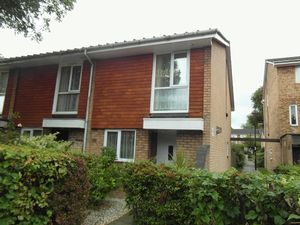 House To Let in Garrick Crescent, Croydon