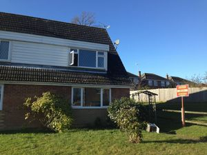 House To Let in Crawley Down, Crawley