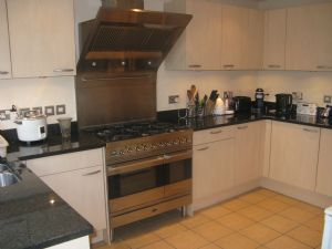 House To Let in Cordrey Gardens, COULSDON