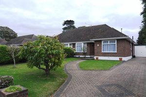 Bungalow To Let in Wattendon Road, Kenley