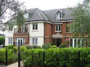Apartment / Flat To Let in St Monicas Road, Kingswood