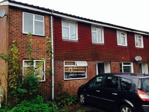 House To Let in Westfield Road, Crawley