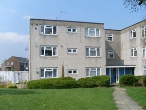 Apartment / Flat To Let in Caburn Court, Crawley