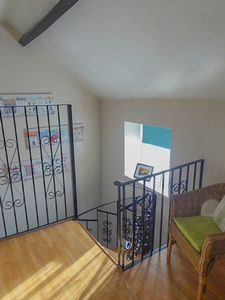 2nd Floor Landing- click for photo gallery