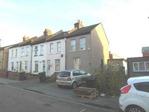 House To Let in Fountain Road, Thornton Heath