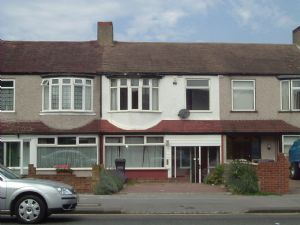 House To Let in Stafford Road, CROYDON