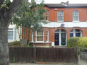 Apartment / Flat To Let in Mackenzie Road, Beckenham