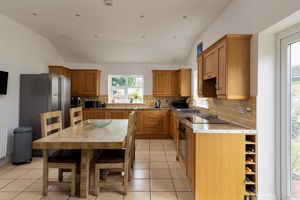Family Kitchen- click for photo gallery