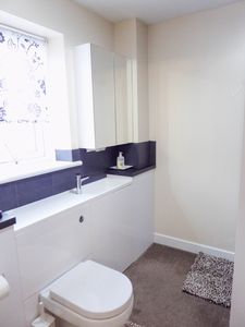 2nd Ensuite- click for photo gallery