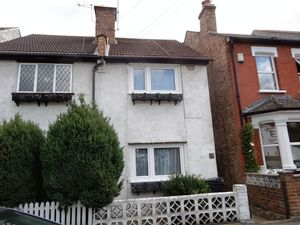 House To Let in Purley Vale, Purley