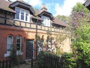 House To Let in Kenley