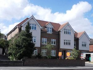 Apartment / Flat To Let in Brighton Road, Purley