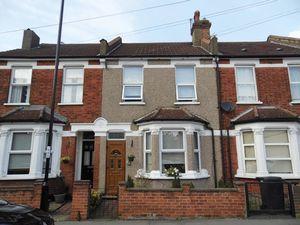 House To Let in Cedar Road, Croydon