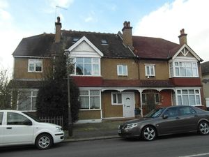 Apartment / Flat To Let in Florence Road, South Croydon